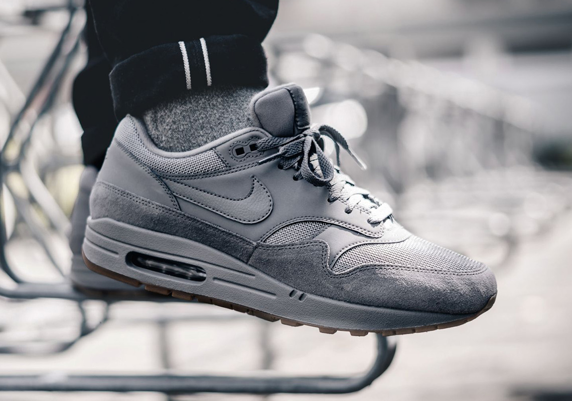This Simple Grey Nike Air Max 1 Is