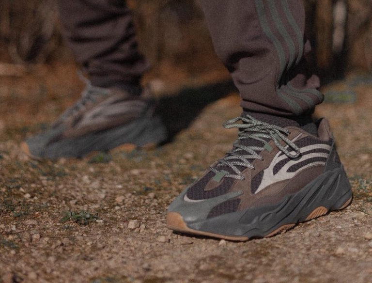 sale retailer 913dc 436e0 The Adidas Yeezy Boost 700 V2